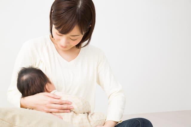 母乳パッドのメリットとおすすめ三選!いつから、いつまで?選び方は?