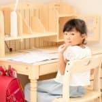 学習机がきれいだと学力もアップ!?親子で考えよう、机の整理整頓術