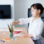 子どもが【色鉛筆で頭蓋骨骨折】先のとがった文具が危険すぎる、他にはどんなものが?
