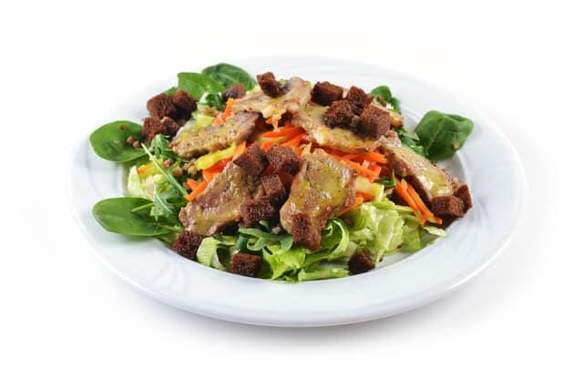 豚肉と野菜のサラダ