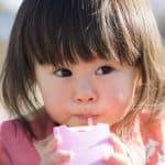 赤ちゃんにジュースはいつから飲ませられる?知っておきたい五つのコト