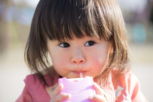 赤ちゃんのジュースはいつから