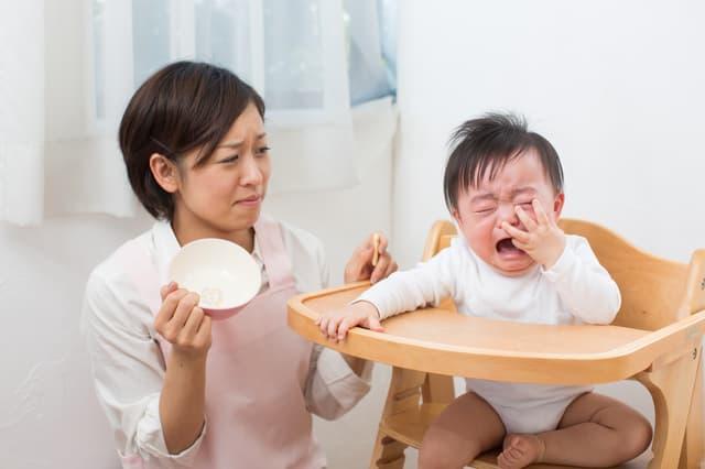 ご飯が欲しい赤ちゃん
