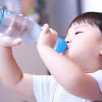 シュワシュワがおいしい!子どもは何歳から炭酸飲料を飲ませていいの?