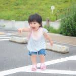 子どもの事故は駐車場が多い!親の注意で絶対に防げる