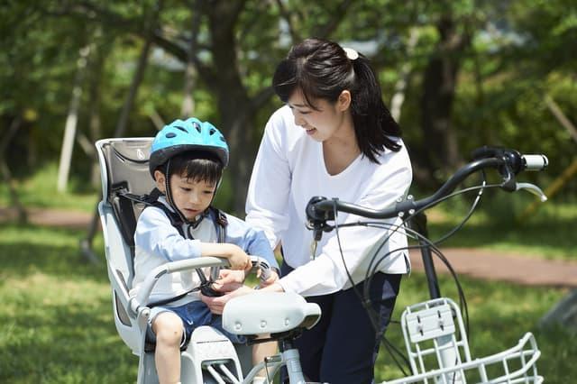 自転車に乗せる