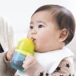 赤ちゃんはいつからストローで飲める?上手なストロー練習方法!