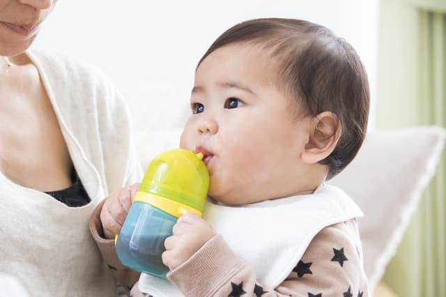 赤ちゃんのストロー