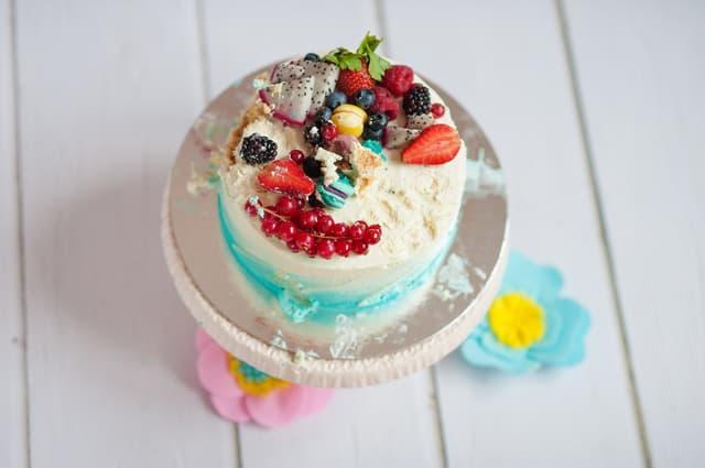 カラフルなケーキ