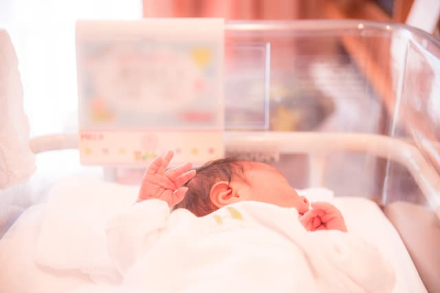 新生児の胎便