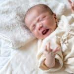 新生児はよく「しゃっくり」をする?しゃっくりの上手な止め方