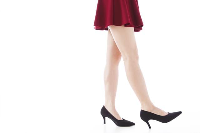 短すぎるスカート