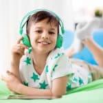 子どもはイヤホンを使っても大丈夫?耳に悪影響を与える?