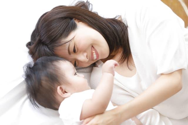 赤ちゃんの愛着形成