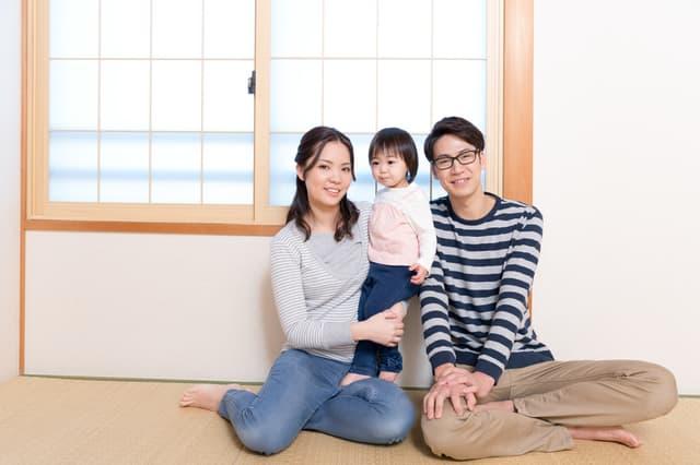 和室の家族