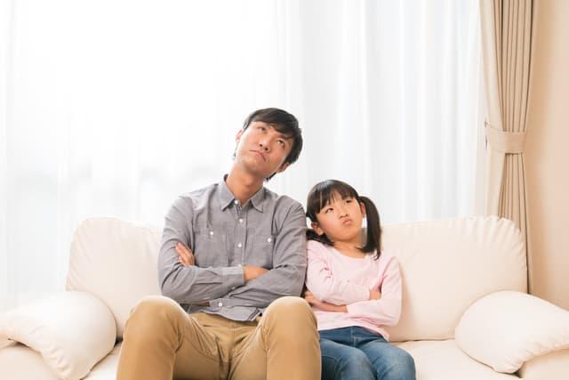 考える親子