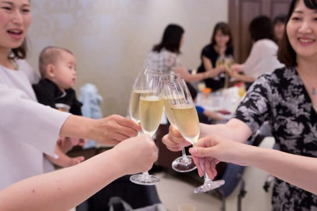 ママ友と乾杯