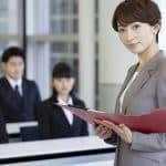 女性管理職はなぜ少ない?キャリアを積みにくいワーキングマザー