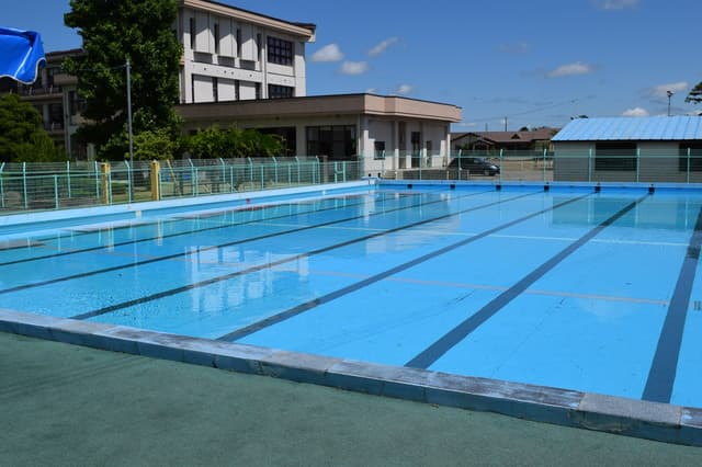 小学校のプール