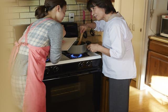 料理を教わる