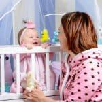 欧米では赤ちゃんを抱っこするよりアイコンタクト重視をする理由