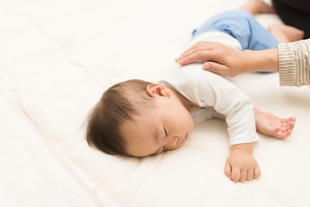 赤ちゃんの起こし方