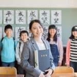 子どもの担任が若い先生だった場合の親の対応、若い先生あるあるなど