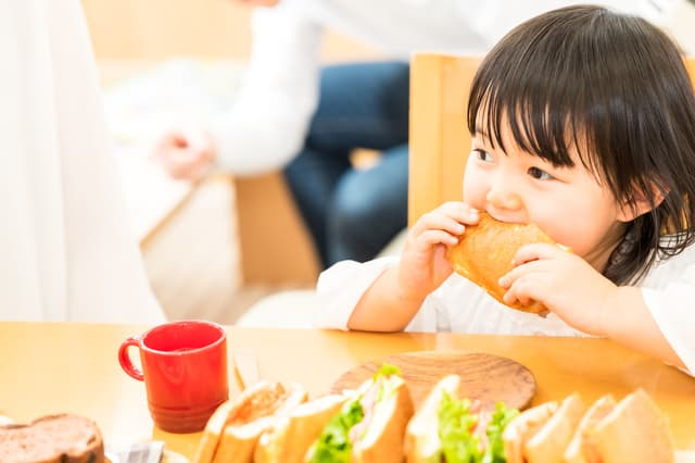 幼児の食事