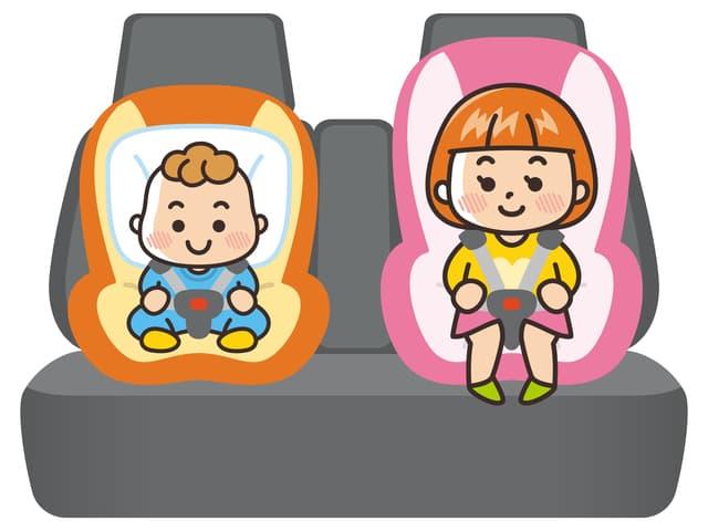 子ども二人が座る